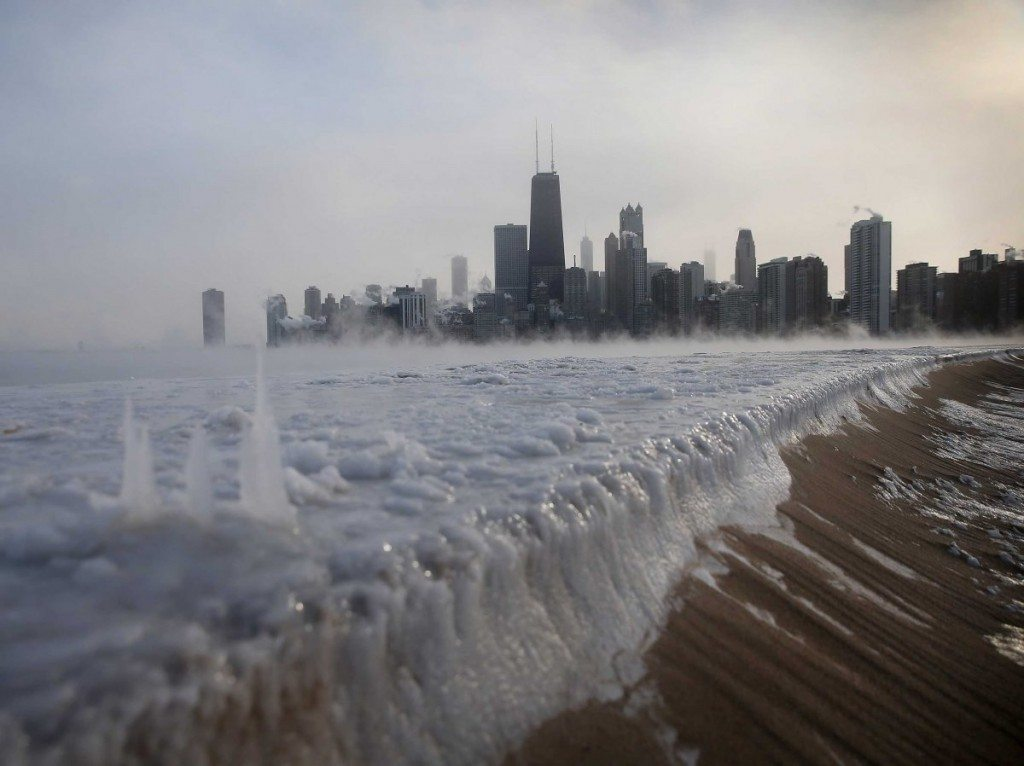 chicago-lake-michigan-frozen-1024x766