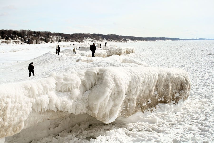 frozen-lake-michigan-69