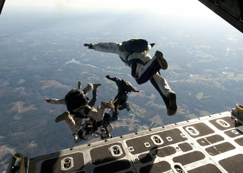 parachute-training-569961_1280
