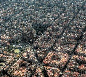 barcelona_aerial_sagrada-300x271