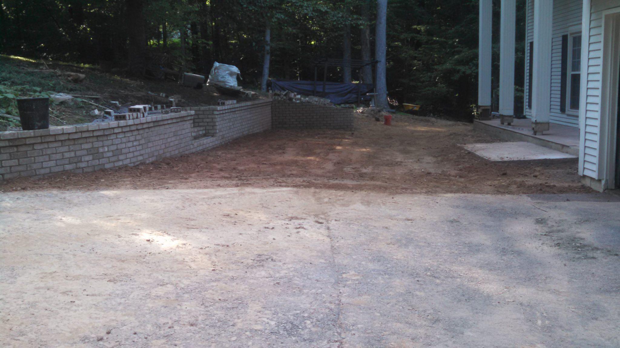 Diy man stuff building pillarscolumns patio retaining wall img20150816173252013 solutioingenieria Images
