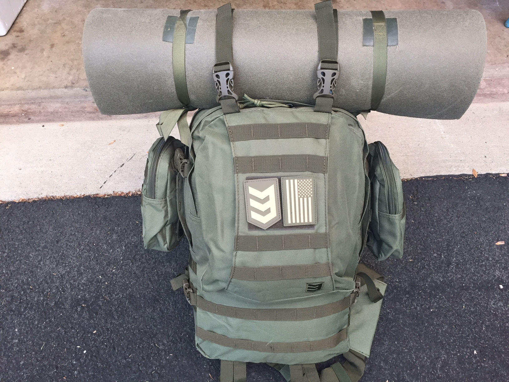 35ff2aebff0d The Paratus 3 Day Operator s Pack has the ability to integrate a hydration  bladder and is not only MOLLE compatible but has multiple D-rings